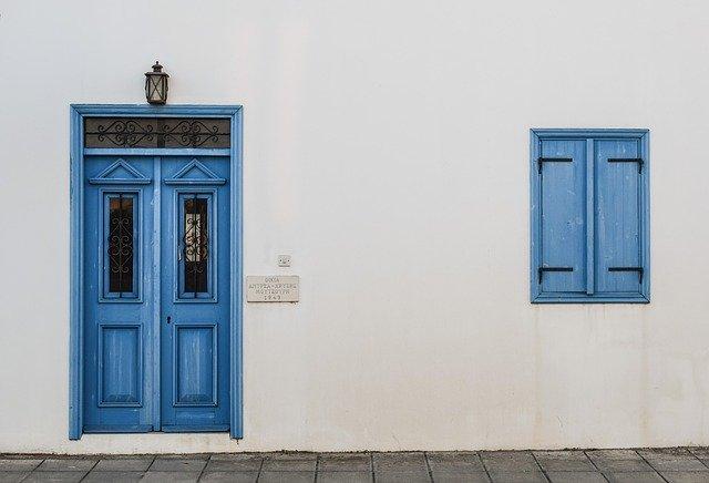 Zdjęcie do tekstu - Stary dom a okna